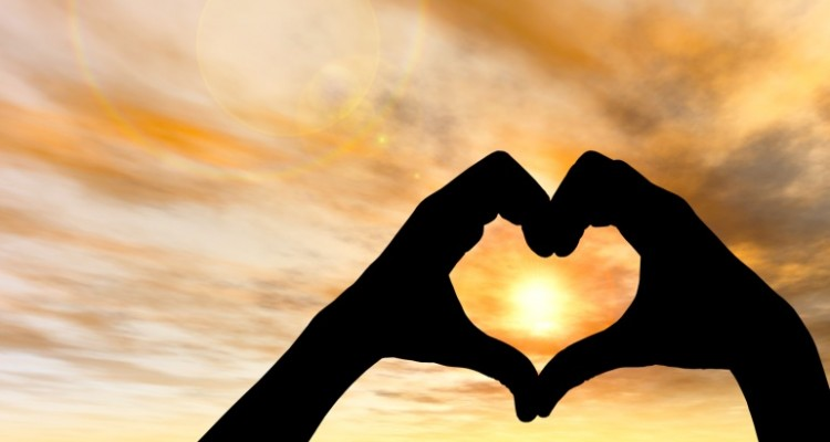 5 Spiritual Love Signs That You Are Really In Love