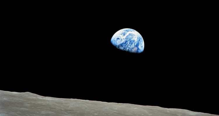 NASA-Apollo8-Dec24-Earthrise-b_Mission-to-Earth_OMTimes